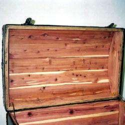 Cedar Lining in trunk lid